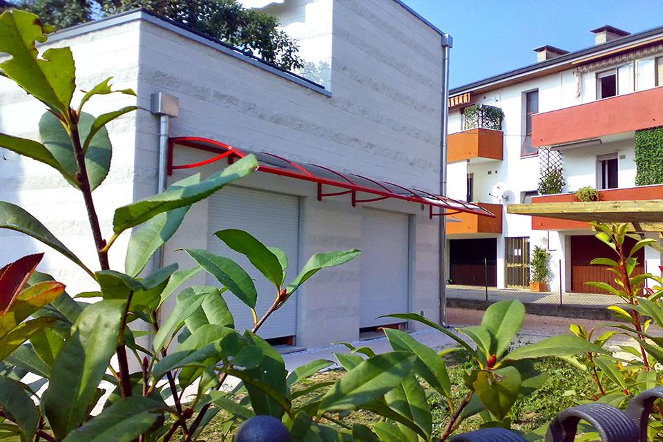 Produzione_vendita_installazione_pensiline_tunnel_alluminio_policarbonato_compatto_copri_ingresso_Padova_Vicenza_Stameat_srl