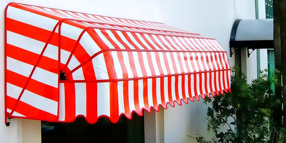 Produzione, vendita ed installazione di tende da sole a cappottina, fisse ed apribili. Provincia di Padova e Vicenza. Stameat srl